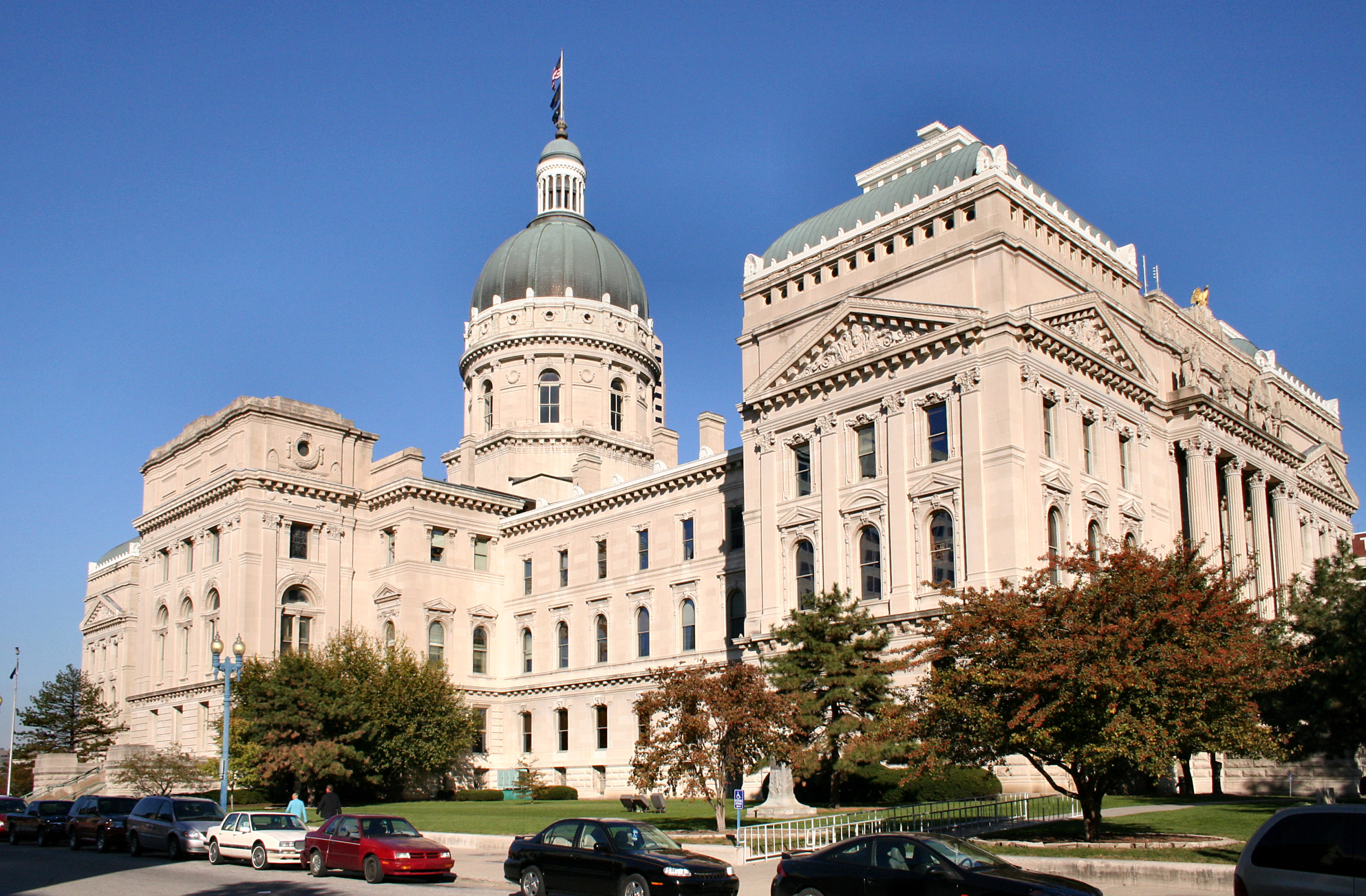 indianapolis_statehouse_courthouse_hd-wallpaper-169737.jpg